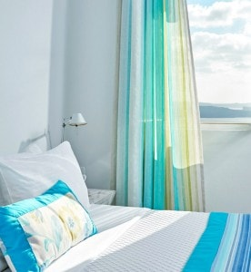 The San Antonio Hotel offers discounts & offers for the luxury sea view Junior Suites in Imerovigli