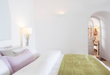 San Antonio Santorini Hotel Senior Suite sea view accommodation with king size bed in Imerovigli